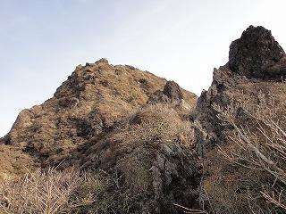 19.岩峰