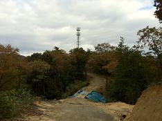 北には中継塔